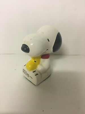 PEANUTS SNOOPY Woodstock Ceramic Paperweight Figurine United Feature Schulz 1966