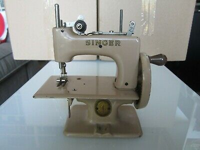Toy Sewing Machine - Singer Sewhandy Model 20 - Made in Great Britain - Beige