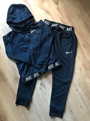 Girls Black Nike Tracksuit (10-12yrs)
