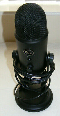 Blue Yeti USB Mic for Recording and Streaming on PC and Mac, 3 Condenser