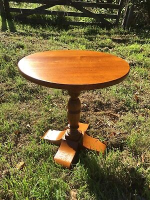 Antique Solid Oak Round Occasional Side Table Coffee Lamp Table Turned Pedestal