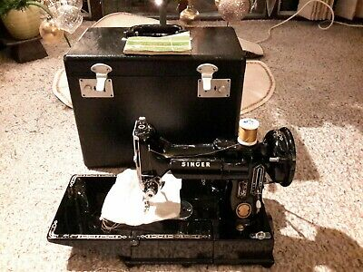 Singer 222K Featherweight Electric Sewing Machine