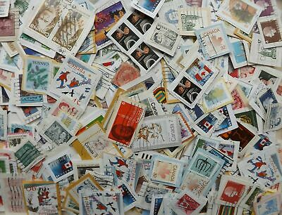 Canadian Stamps 1/4 lbs Bulk-Used on paper-cancelled & commemorative stamps-used