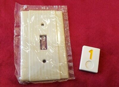 1 NOS Ivory Vtg Ribbed Deco Single Gang P&S Switch Cover Plate Bakelite - Y1
