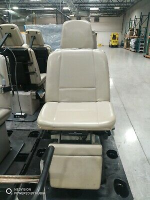 Midmark 411-003 Power Exam Chair with Foot Pedal and Remote