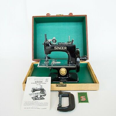 Vintage Singer Toy Sewing Machine 20-10 1940s-50s with Case Manual Clamp Key