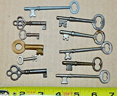 Mixed Lot Skeleton Keys Barrel Steel & Brass Fancy Handles