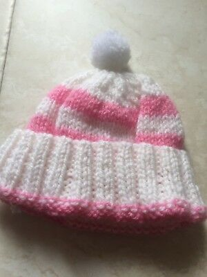 Reduced Bobble hat 0 to 6 months . New not worn