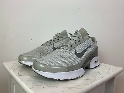NIKE AIR TRAINERS Womens UK Size 8 White In Superb Condition