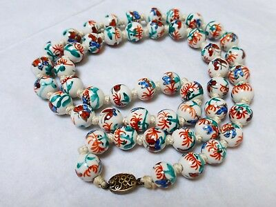 CHINESE VINTAGE HAND PAINTED PORCELAIN BEADS NECKLACE, silver clasp