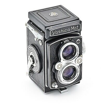 YashicaMat Twin Lens TLR 120 6x6 Film Camera.  EXCELLENT+