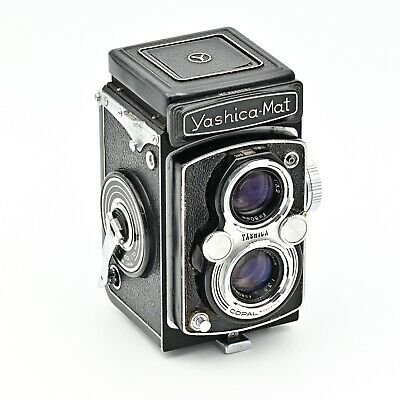 YashicaMat Twin Lens TLR 120 6x6 Film Camera.  EXCELLENT