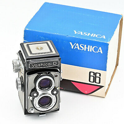 Yashica D Twin Lens TLR 120 6x6 Film Camera. ***TOP MINT***