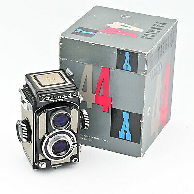 Yashica 44A Twin Lens Reflex TLR 127 4x4 Film Camera *** MINT IN BOX***