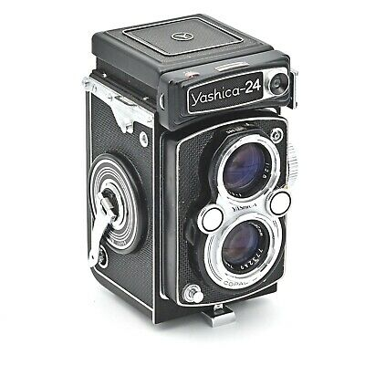 Yashica 24 Twin Lens Reflex TLR 120 220 6x6 Film Camera. ***TOP MINT***