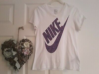 The Nike Tee For Girls Age 13-15 Years