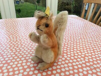 Steiff Possy Squirrel EAN 072147 new open edition yellow tag piece