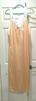 LONG NIGHTGOWN Vintage VANITY FAIR SZ Large  Peach with Blue & White  GREAT MINT