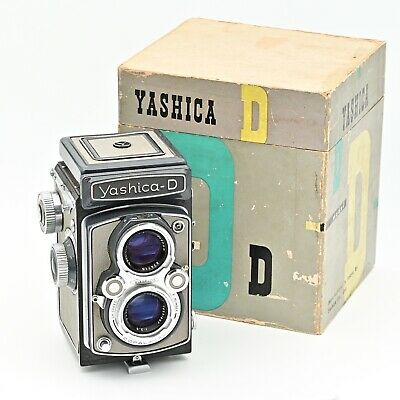 Yashica D Twin Lens TLR 120 6x6 Film Camera. RARE Grey/Grey Colour. ***IN BOX***