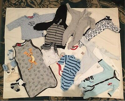 Baby clothing bundle size 000 fits 0-3 months