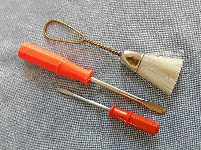 Singer Sewing Machine Set of 2 Screwdrivers & Cleaning Brush Great Orange Color