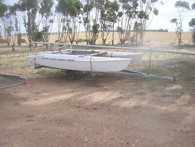 catamaran windrush 14ft, complete with sails and ready to go, trailer, yacht