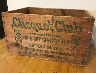 RARE Antique/Vintage CLICQUOT CLUB Pale Dry Ginger Ale Soda Crate Box Wooden