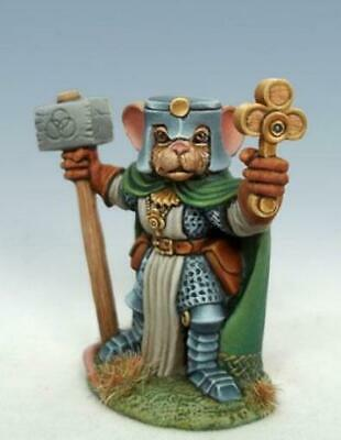 Dark Sword DSM-8068 Mouse Cleric with Warhammer /& Shield Rodent Warrior-Priest