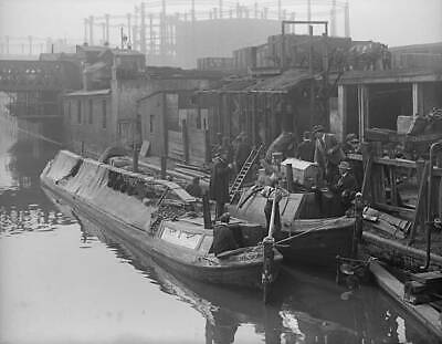 Old Photo 1917 A Motor Coal Barge On Regents Canal Unloading