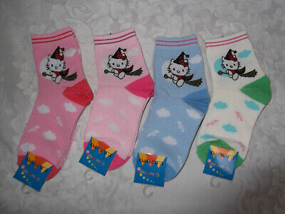 "Bnwt 2 Pairs ""Hello Kitty"" Girls Socks ** Foot Size 16 - 18Cm"