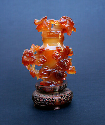 ANTIQUE CHINESE CARVED CARNELIAN AGATE VASE hardstone