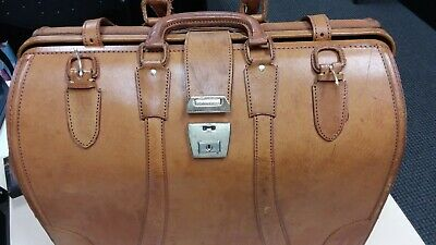 Vintage Pigskin Leather Doctors Style Bag