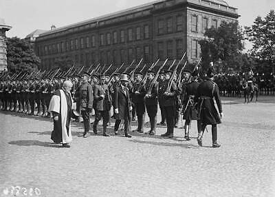 OLD PHOTO King George V Inspects Cadets At Trinity College In Dublin