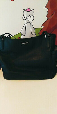 Coach baby diaper bag in excellent condition. FREE SHIPPING !!
