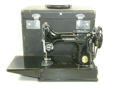 1948 Vintage Singer Featherweight 221 Portable Sewing Machine w/ Case Quilting
