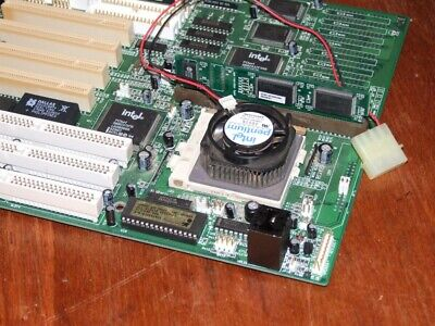 Intel chipset AT motherboard with Intel Pentium 100 MHz CPU and 16Mb Ram