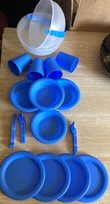 26 Piece Plastic Picnic//Camping//BBQ//Party Dinner Plate Bowl Mug Cutlery Set BLUE