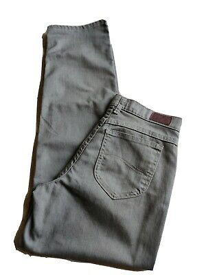 Lee women's jeans size 6 brown relaxed fit high rise straight leg 5 pockets EUC