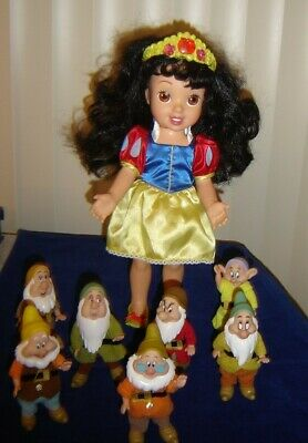 Talking ~ Snow White and the Seven Dwarfs ~ Disney Collection of Talking Dolls