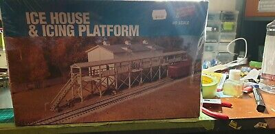 Model trains ho scale accessories