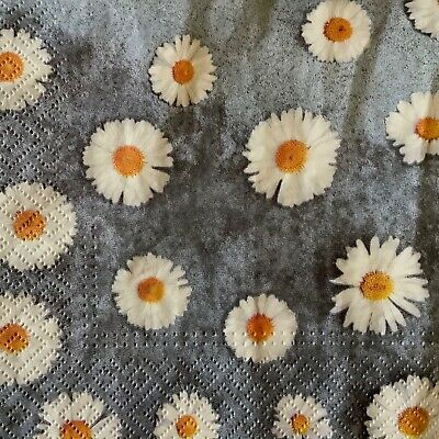 4 Paper Napkins for Decoupage / Parties/Weddings - Daisies