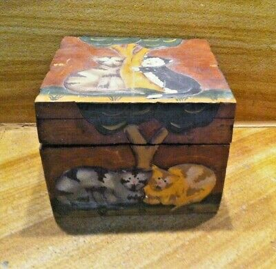 Adorable Old Vintage 3D Cats And Trees Wooden Hinged Box