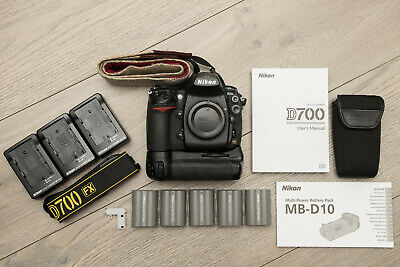 Nikon D700, Grip and 5xBatteries