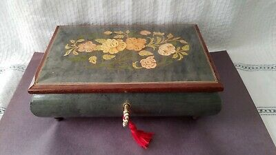 Beautiful dark green inlaid lacquered musical jewelry box with key