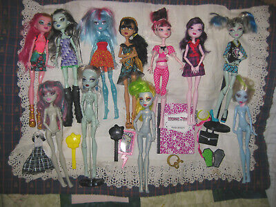 11 Monster High Dolls - Many Dressed Plus Some Small Accessories