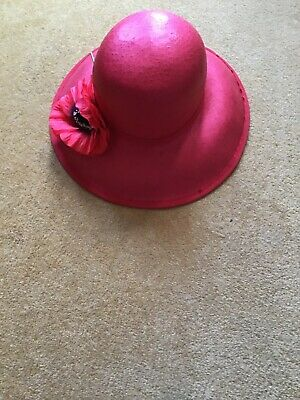 A Stunning  Widebrimmed Hat,/Wedding Day/Races/