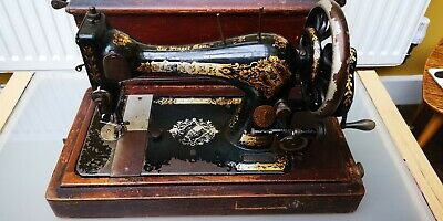BEAUTIFUL AND RARE! 1890s ANTIQUE SINGER SEWING MACHINE *COLLECTABLE MACHINE