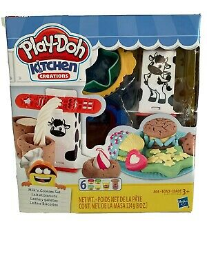 Play-Doh Kitchen Creations Milk 'n Cookies Set 18 Pieces Hasbro Ages 3 Plus NEW