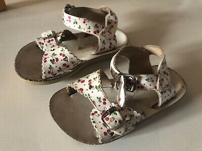 girls Sun San Salt water sandals cherry white leather size 7 - Small Fits UK 6
