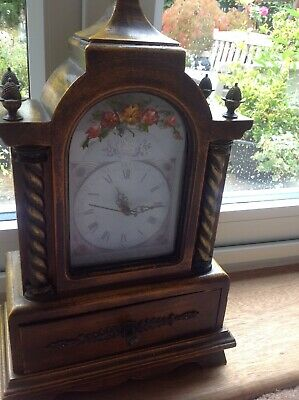 Attractive Antique Style Mantle Clock